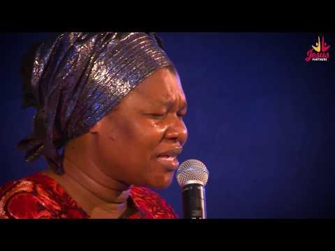 Bukola Bekes Leading Worship @ Wonders of Praise 8 - The Unsearchable God