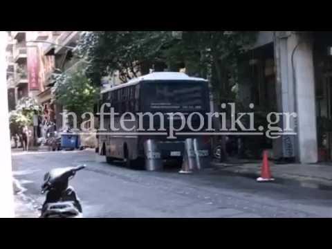 Πλάνα από τα γραφεία του ΠΑΣΟΚ μετά την επίθεση