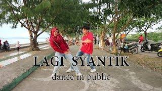 Video SITI BADRIAH - LAGI SYANTIK DANCE IN PUBLIC by LA RIMBA & SITASYA | Choreo by Natya Shina MP3, 3GP, MP4, WEBM, AVI, FLV Juli 2018