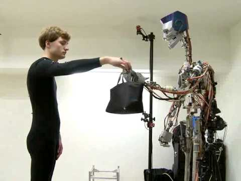 用動作捕捉學習人類行為的機器人!