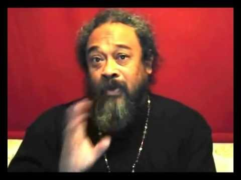 Mooji Answers: How Can I Live Life Being Still & Without Identity?