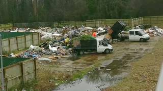 Travellers caught illegally Dumping Rubbish on Big Scale Fly T...