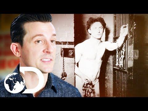 How Did Harry Houdini Escape From A Locked Russian Prison Carette?   Houdini's Last Secrets