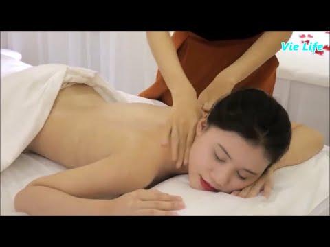 Cùng bạn nữ xinh trải nghiệm massage body
