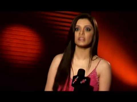 Garam Masala fame Nargise goes nude