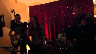Video Music art - dobre vieš (live)