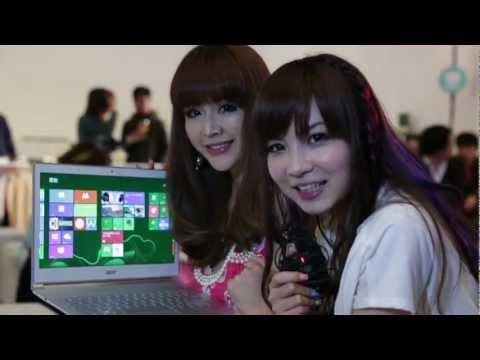 兩位正妹SG介紹筆電