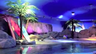 Producción: Hugo Salvatierra. Edición: Laura Duque. Música: This Ain't Hollywood (Instrumental version). Artista Silence is Sexy. Canción: On The Beach (Inst...