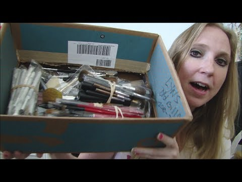 YARD SALE & Garage HAUL Michael Kors, B. Makowsky + a BOX of High End MAKEUP BRUSHES?!