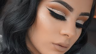 I know what you're thinking... It's about time she posts that glitter cut crease eyeshadow tutorial!. I know I had promised this eyeshadow tutorial to you gu...