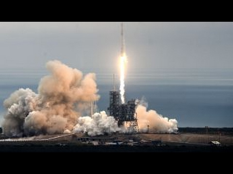 SpaceX to fly two people around the moon next year_A héten feltöltött legjobb távcső videók