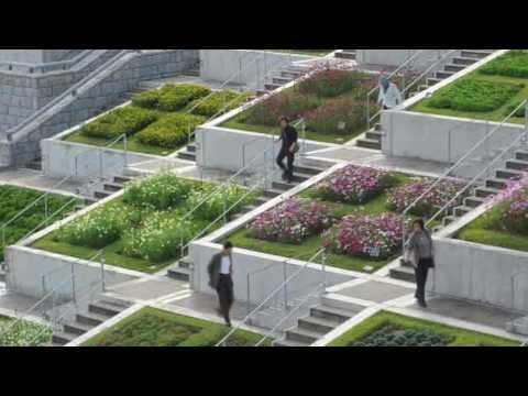 折り重なる100面の花壇 淡路夢舞台