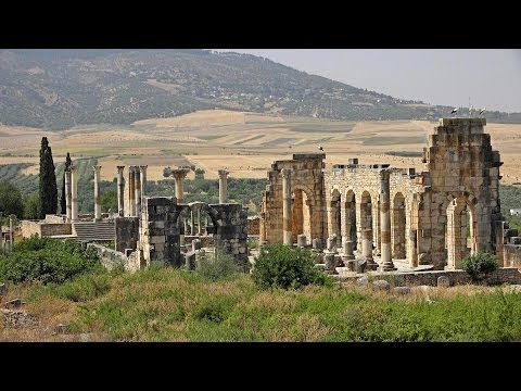le rovine imperiali di volubilis in marocco
