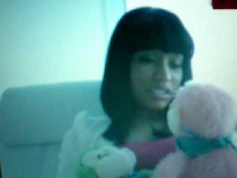 Rapper Nicki Minaj's fan got a nice treat last night when she took to her