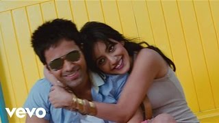Watch Emraan Hashmi sing about his feelings for his girlfriend Neha Sharma in this video from the film 'Crook' - sung by Neeraj Shridhar with music composed ...