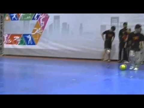 โชว์สตรีทฟุตบอล งานSports Expo 2013 (видео)