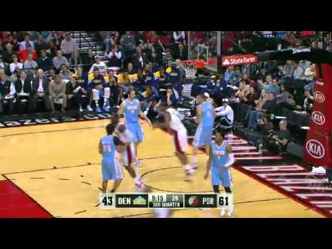 Nicolas Batum to LaMarcus Aldridge fast break dunk