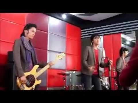 Raina Band behind the scene saranghaeyo clip