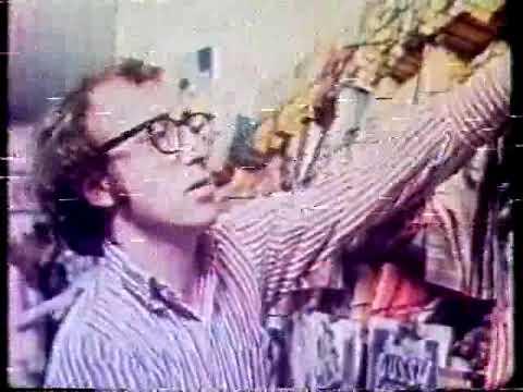 Bananas 1971 - Cena com dublagem clássica