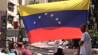 Venezuela se paralizó parcialmente el jueves por una huelga convocada por la oposición para exigir al presidente Nicolás Maduro retirar su convocatoria a una Asamblea Constituyente, tras casi cuatro meses de protestas que dejan 99 muertos.