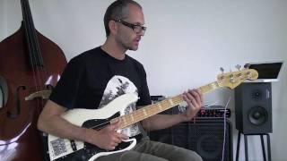 Download Lagu 1. Slap bass lesson - beginner/intermediate Mp3