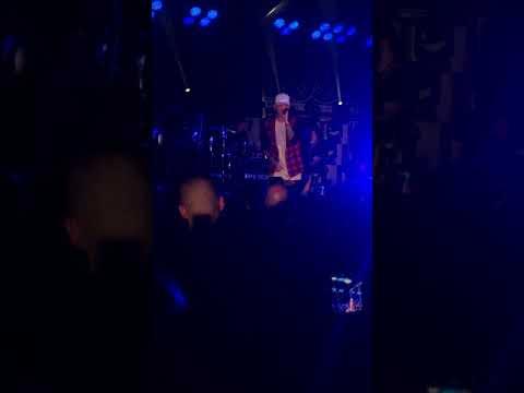Video Kane Brown Weekend download in MP3, 3GP, MP4, WEBM, AVI, FLV January 2017