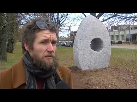 Vecatē atklāta akmens laikmetam veltīta skulptūra