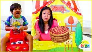 Video Ryan Pretend Play Pizza Delivery Cooking Playhouse!!! MP3, 3GP, MP4, WEBM, AVI, FLV Juni 2019