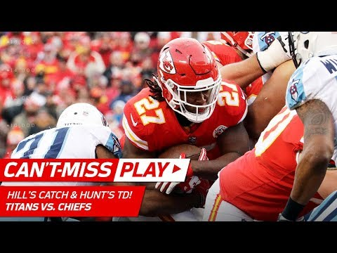 Video: Tyreek Hill's SPEEDY Catch-'n-Run Sets Up Kareem Hunt's TD! | Can't-Miss Play | NFL Wild Card HLs