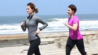 Video How to Train For the Nike Women's Marathon: Running in the Wind MP3, 3GP, MP4, WEBM, AVI, FLV November 2018