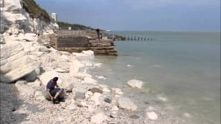 High tide - low tides at Eastbourne seaside ( time-lapse) HD