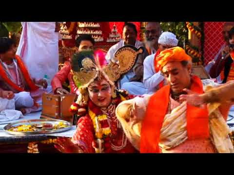 Video Heri sakhi mangal gaao ri download in MP3, 3GP, MP4, WEBM, AVI, FLV January 2017