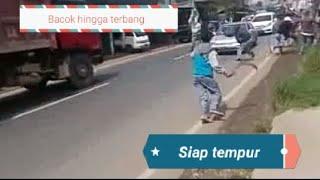 Video Saling bacok. Hingga warga setempat marah MP3, 3GP, MP4, WEBM, AVI, FLV Agustus 2018