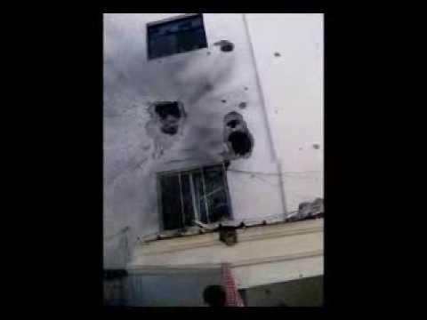 اثار قصف الحوثيين لمسجد دار الحديث والمكتبة بدماج