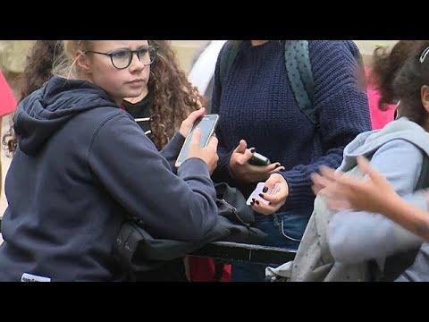 Bis zur 10. Klasse: Frankreich verbietet Handys an  ...
