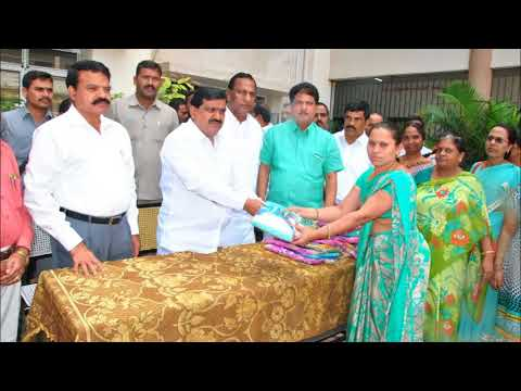 , Mahender Reddy Participated in Bathukamma Sarees