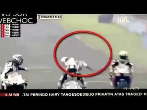 Đua xe mô tô kinh hoàng - rớt nài nhìn ghê thật ✔
