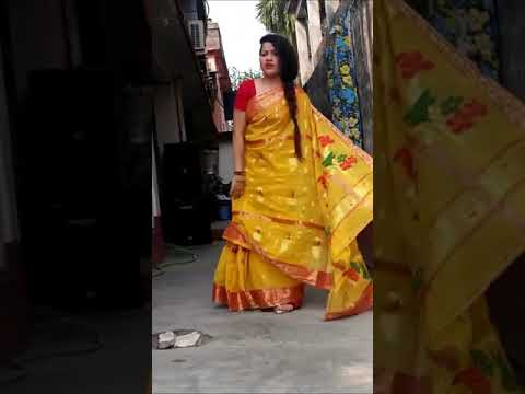 Bindiya Chamke Choodi Khanke (Full HD Song) By Bengali Hottest Boudi Dance