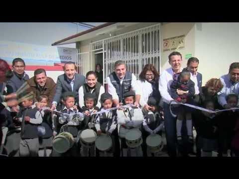 Alcalde Tony Gali inaugura un aula de medios más en San Baltazar Tetela.