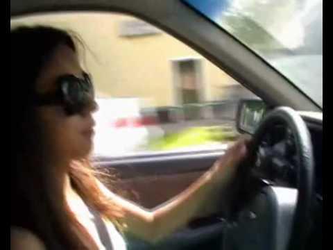 車内でイチャつくバカップル。最後の最後に待っていたのは恐怖の制裁だった。