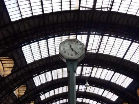 De estação em estação, a viagem continua...