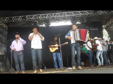 Os Relíquias Sertanejos; em Nova Gloria Goiás, com ELITO SANFONEIRO, MISSON, E CHICO DA AMBULÂNCIA!
