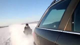 Polacy i ich kulig za Audi przy 160 km/h. Ten gość chyba się śmierci nie boi