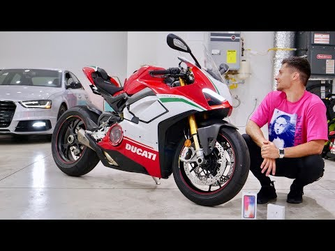 My New Ducati V4 Speciale! House Tour & iPhone X Giveaway! - Thời lượng: 22 phút.