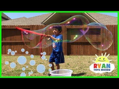DIY GIANT BUBBLES for kids! Family Fun playtime with bubble toys Ryan ToysReview