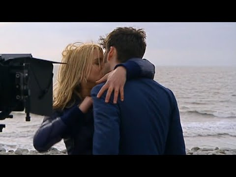 Doctor Who Confidential - Kiss of the Doctor and Rose  (behind the scenes )