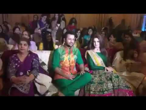Video Atif Aslam with his wife Sara download in MP3, 3GP, MP4, WEBM, AVI, FLV January 2017