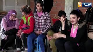 تيزي وزو: وردية..سبعينية تعشق حرفة الفخار وتعلمها لذوي الإحتياجات الخاصة