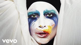 Lady GaGa - Applause lyrics (Japanese translation). | I stand here waiting for you to bang the gong to crash the critic saying