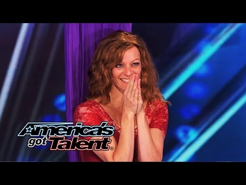 ~ America's - A mom of two teenagers overcomes alopecia to follows her dream of becoming an aerial artist. See Laura Dasi's beautiful performance! » Subscribe: http://full.sc/IlBBvK » Watch America's Got...